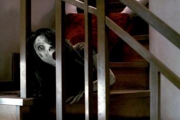 linda forma de bajar escaleras...