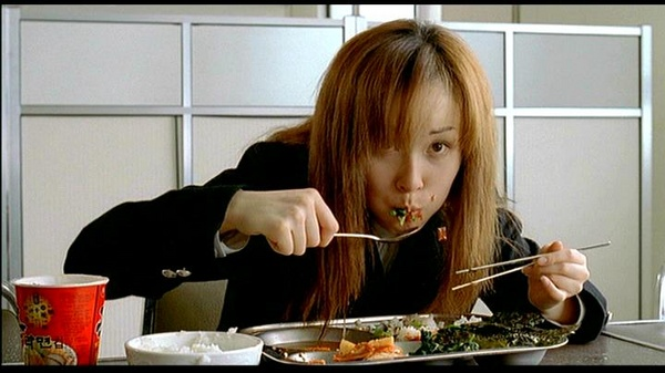 Hye-Ju gets her chowdown on.